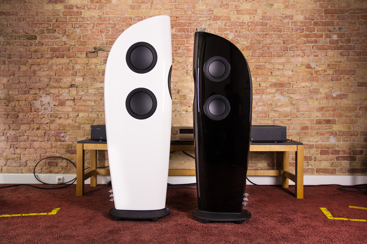 loa KEF Blade Two dep