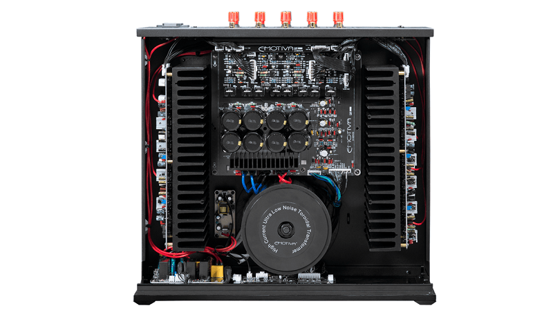 Power ampli Emotiva BasX A-5175 chat